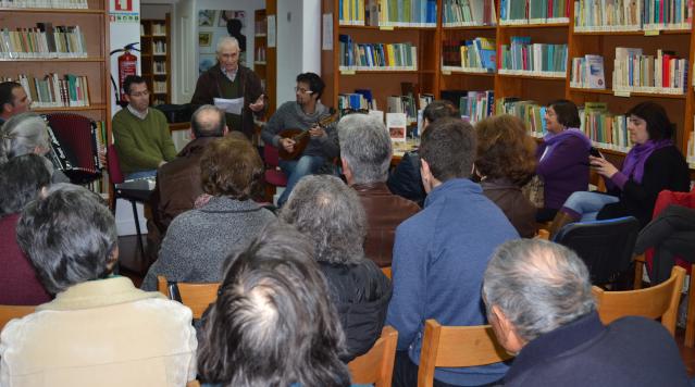 BibliotecaMunicipalassinalouoDiaMundialdaPoesia_C_0_1594717006.